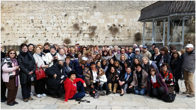 Delegates from nine countries at the Kotel in Jerusalem