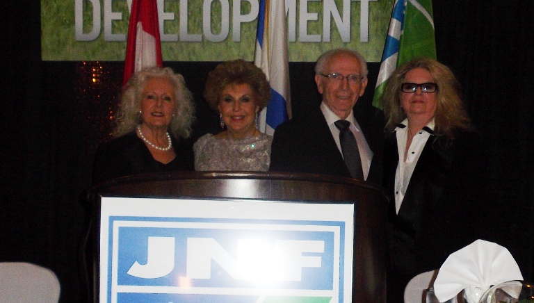 Joan and Abe with JNF Negev Gala co-chairs Cory Felber and Gillian Horwitz.
