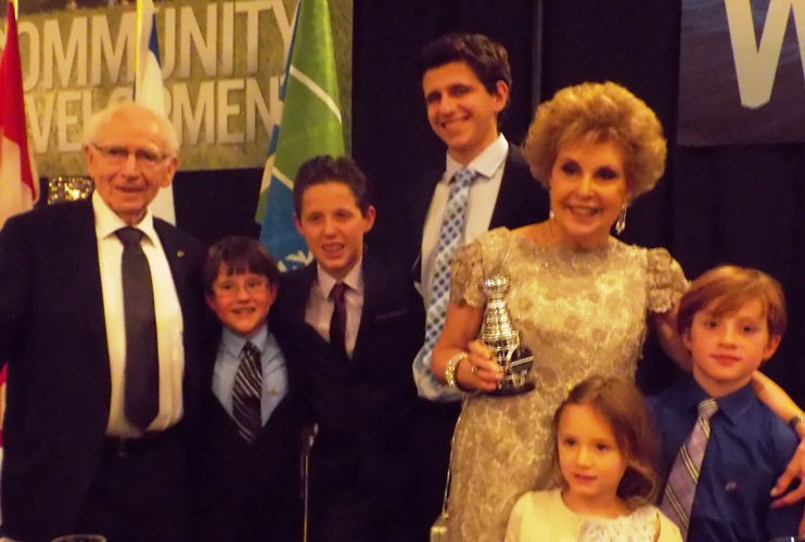 JNF Honourees Joan and Abe Goldstein enjoy a wonderful night of celebration - pictured here with their grandchildren and miniature NHL Stanley Cup.