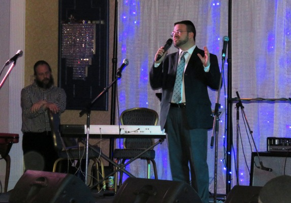 Rabbi Laufer thanked everyone for coming