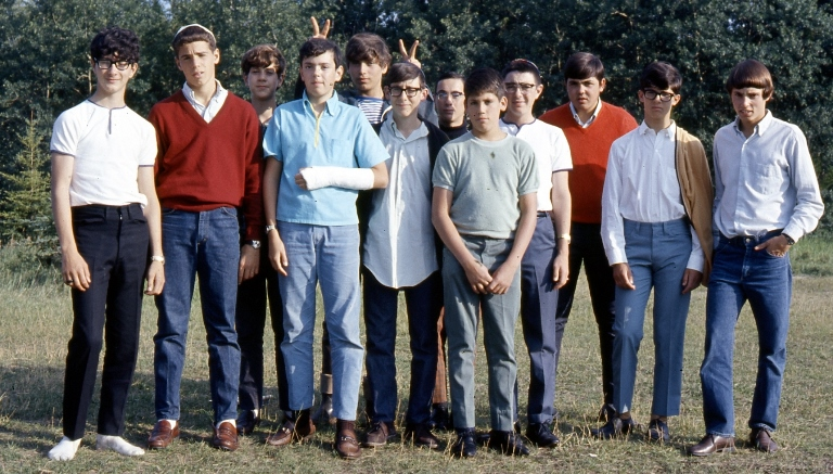 Here is a blast from the past - a group of Camp BB-Riback campers from the 1960s. Any Edmontonians in the group?
